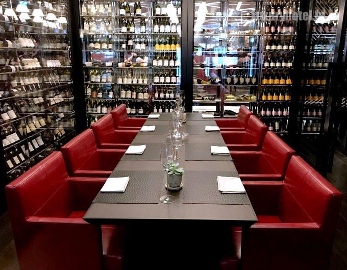 セントラム グリル&ワインの個室「ワインルーム」