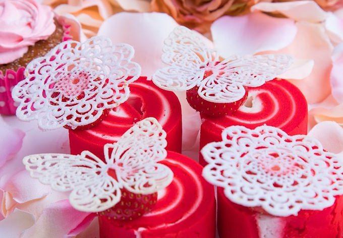 ストロベリーデザートビュッフェ ~お花の世界にかこまれて~ スイーツ画像