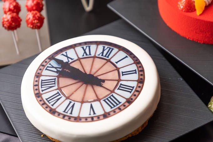 オルセーの大時計 アプリコットムース&ストロベリーゼリーケーキ