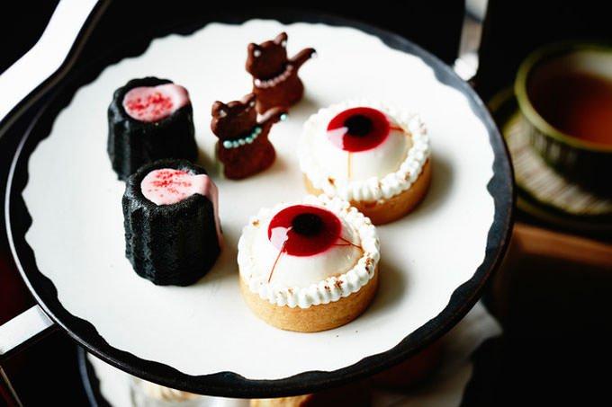 アンダーズ 東京 ハロウィンアフタヌーンティー 「かぼちゃタルト」や「黒猫のサブレ」